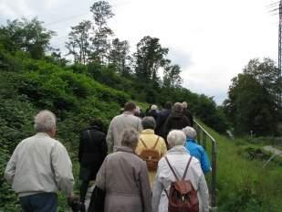 Gruppe älterer Menschen von hinten 2014-08-19 Foto Schruck public domain  IMG_0002